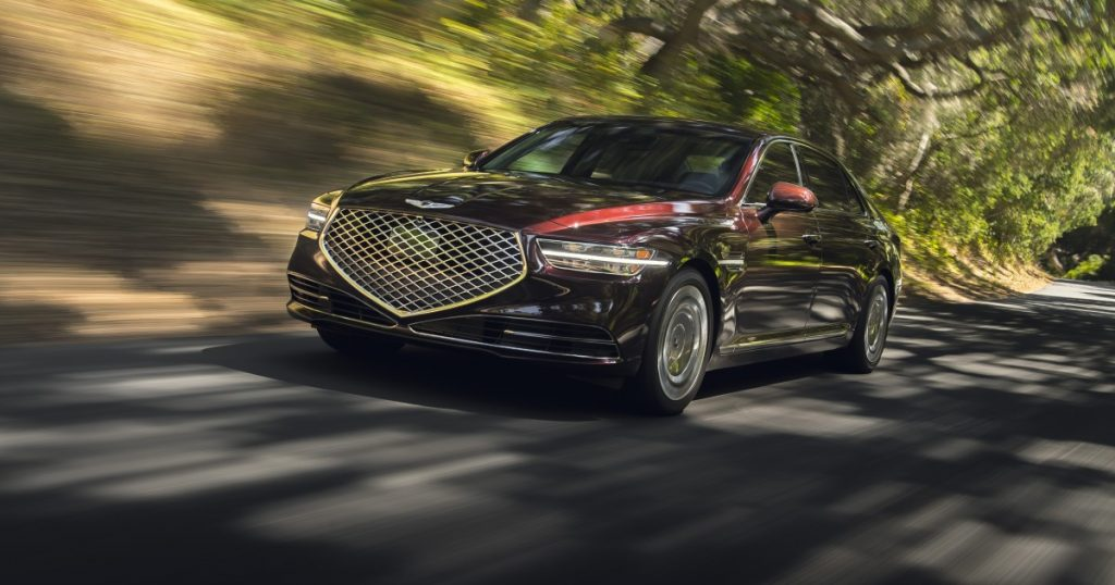 2020 Genesis G90 review: How it competes with BMWs