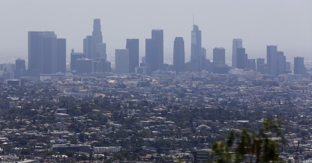 Exposure to air pollution linked to higher coronavirus death rates