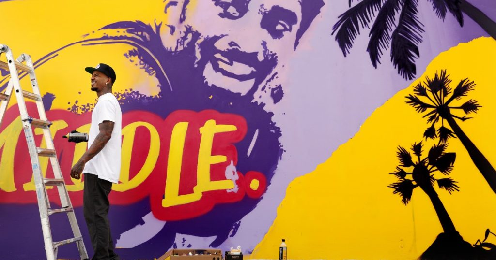 Ahead of Kobe Bryant Day, L.A. murals and tributes grow