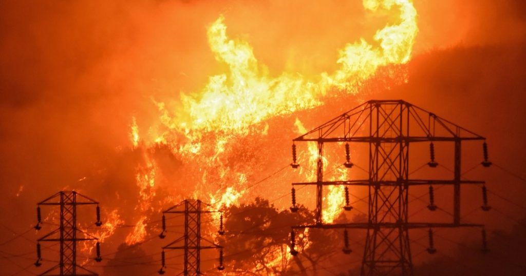 Technology tries to predict spread of California wildfires