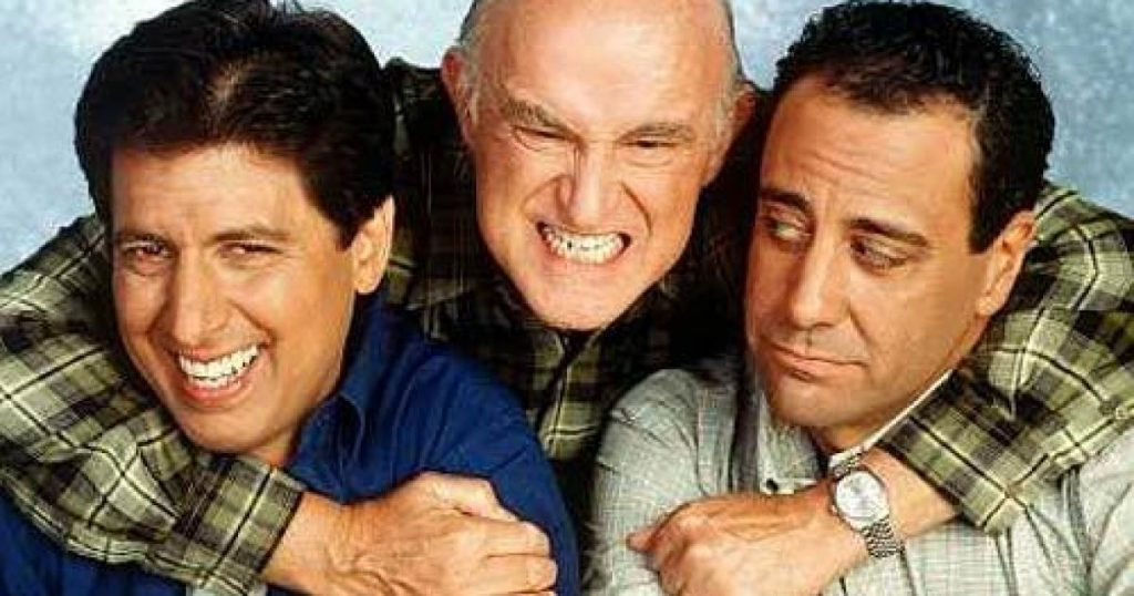 'Everybody Loves Raymond' cast reunites for charity