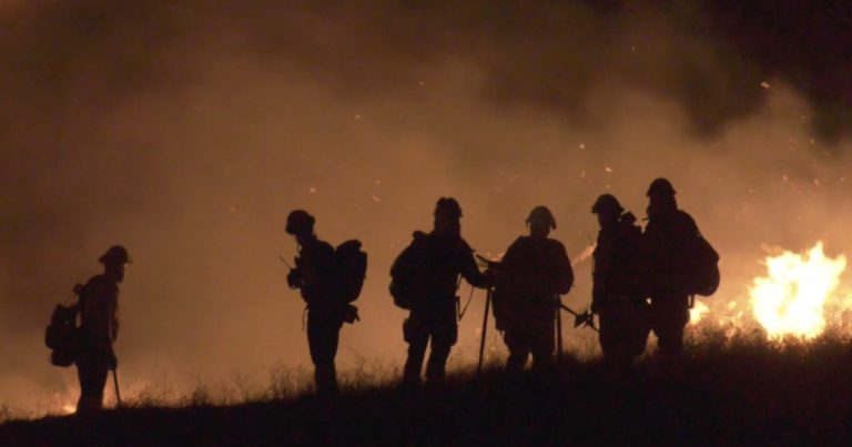 Riverside County fire burns 1,500 acres, threatening homes