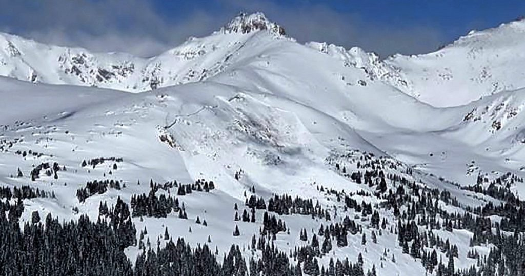 Avalanche deaths near record in U.S.