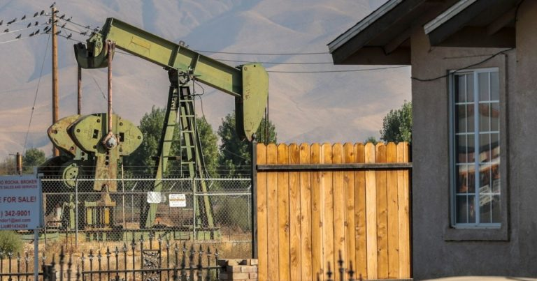 Plan to ban California fracking falls short in Legislature