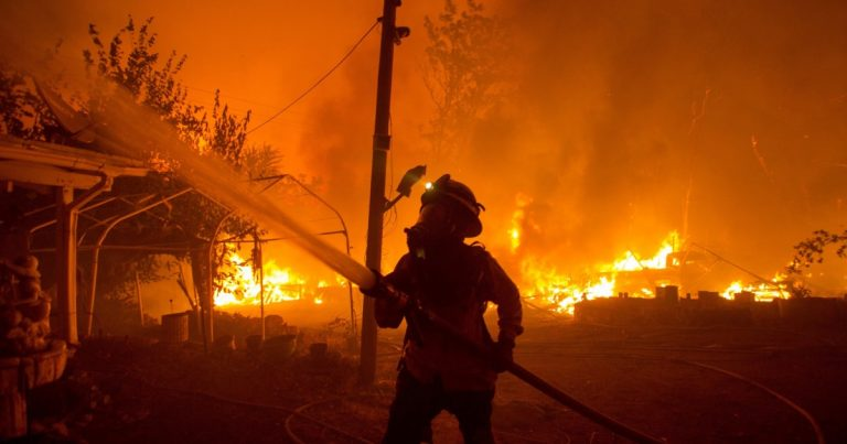 Federal officials: California and West in for tough fire year
